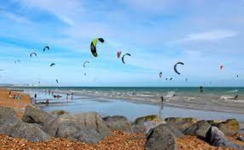 PET CHECK UK Kitesurfing Lancing