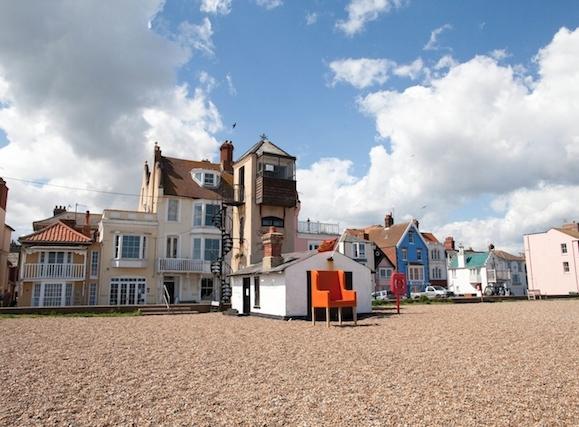 PET CHECK UK Aldeburgh beach lookout station Suffolk