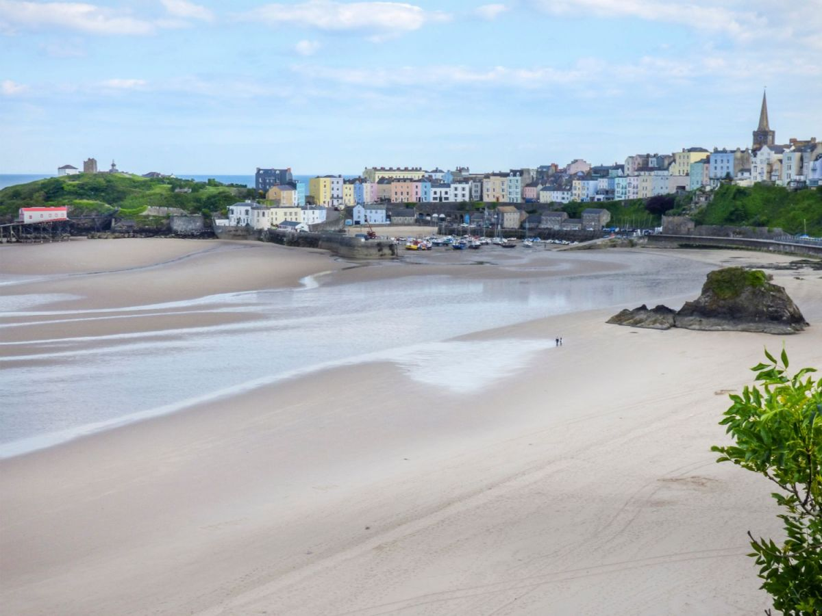 PET CHECK UK Tenby sandy beach and town, South Wales